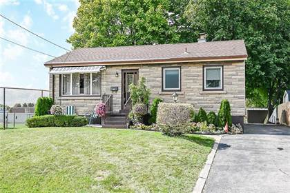 Residential Property for sale in 978 UPPER WELLINGTON Street, Hamilton, Ontario, L9A 3S3