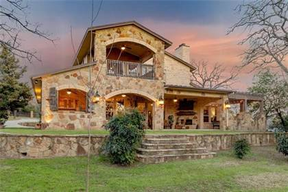 Residential for sale in 5016 Hidden Oaks Lane, Arlington, TX, 76017