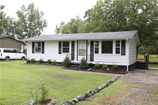 Single Family for sale in 124 N Sylvan Rd, Waverly, VA, 23890