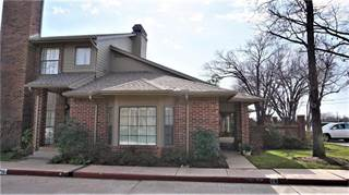 Condo for sale in 6204 Waterford Boulevard 18, Oklahoma City, OK, 73118