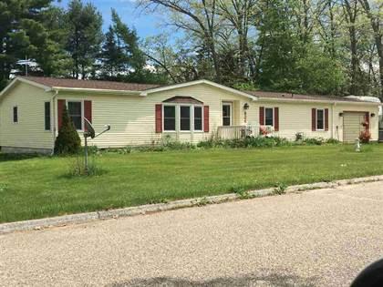 Residential for sale in 824 OAKLAWN St, Harrison, MI, 48625