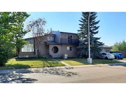 Single Family for sale in 3104 67a ST NW, Edmonton, Alberta, T6K1S1