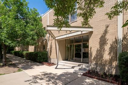 Residential Property for sale in 1100 West Cornelia Avenue 137, Chicago, IL, 60657