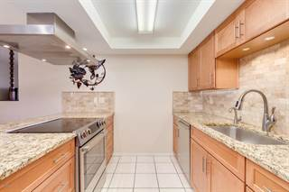 Townhouse for sale in 332 N DOBSON Road 31, Mesa, AZ, 85201