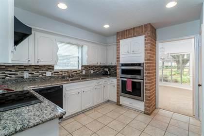 Residential for sale in 1102 Drava Lane, Houston, TX, 77090