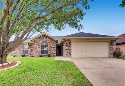 Residential for sale in 6716 Clear Creek Drive, Arlington, TX, 76001