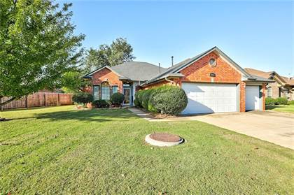 Residential for sale in 5713 Greenview Drive, Oklahoma City, OK, 73135