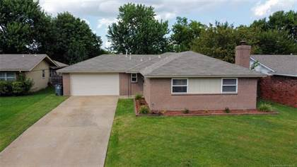 Residential Property for sale in 9315 E 49th Street, Tulsa, OK, 74145