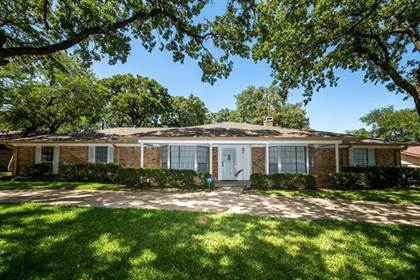 Residential for sale in 1605 Northlake Court, Arlington, TX, 76012