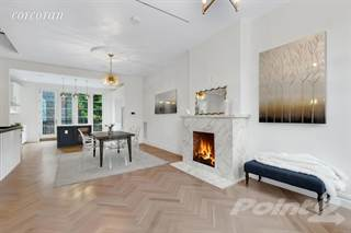 Townhouse for sale in 226A Vernon Avenue, Brooklyn, NY, 11206