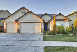 Single Family for sale in 1233 W Deer Crest Dr, Meridian, ID, 83646