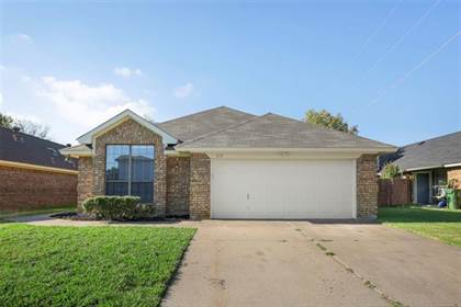 Residential for sale in 606 Lakeway Drive, Arlington, TX, 76018