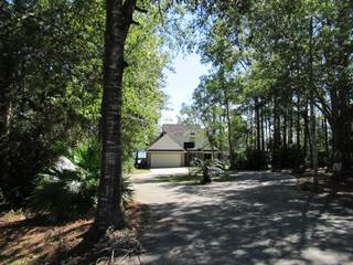 Single Family for sale in 913 W Lakeshore Drive, Carriere, MS, 39426