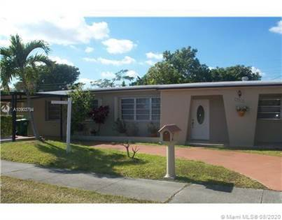 Residential for sale in 3230 SW 104th Ave, Miami, FL, 33165