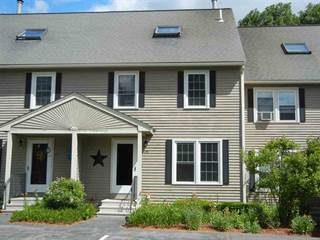 Townhouse for sale in 15 Sullivan Court, Salem, NH, 03079