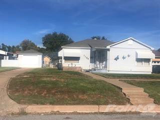 Residential for sale in 1104 Avenue K NW, Childress, TX, 79201
