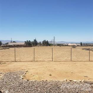 Residential Property for sale in 22479 Tinega Road, Apple Valley, CA, 92307