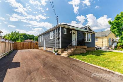 Multifamily for sale in 104 CLARENDON Avenue, Hamilton, Ontario, L9A 3A3