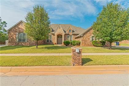 Residential for sale in 609 NW 151st Circle, Oklahoma City, OK, 73013