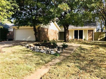 Residential for sale in 1905 Penbrook Drive, Arlington, TX, 76015