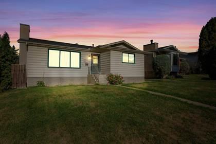 Single Family for sale in 3812 26 AV NW, Edmonton, Alberta, T6L4G5
