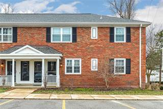 Condo for sale in 9130 North Swan Circle, Brentwood, MO, 63144