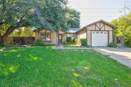 Residential for sale in 5324 Creek Valley Drive, Arlington, TX, 76018