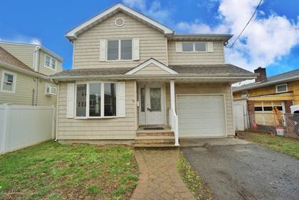 Residential for sale in 74 Milton Avenue, Staten Island, NY, 10306