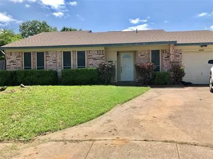 Residential for sale in 4206 Glen Pines Drive, Arlington, TX, 76016