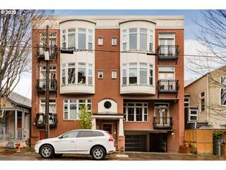Condo for sale in 2537 NW THURMAN ST 203, Portland, OR, 97210