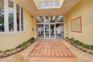 Comm/Ind for rent in 3162 Commodore Plz 2G, Miami, FL, 33133