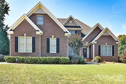 Single-Family Home for sale in 8703 Invershield Court Oak Ridge, Oak Ridge, NC, 27310