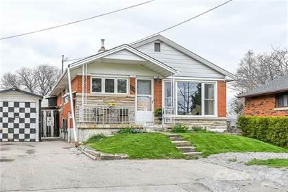 Residential Property for sale in 14 HELGA Court, Hamilton, Ontario, L8V 3K2