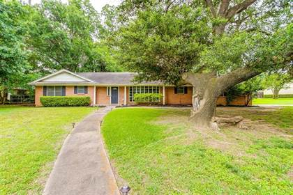 Residential for sale in 1739 Woods Drive, Arlington, TX, 76010