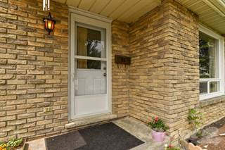 Residential for sale in 55 Timberlane Crescent, Kitchener, Ontario, N2N 1T5