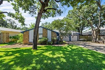 Residential for sale in 5804 Sagebrush Trail, Arlington, TX, 76017