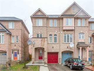 Townhouse for sale in 25 Oban Rd, Toronto, Ontario