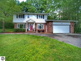 Single Family for sale in 2101 Birchwood Court, Traverse City, MI, 49686
