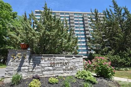 Condominium for sale in 555 Brittany, Ottawa, Ontario, K1K 4C5