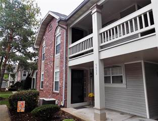 Condo for sale in 5453 Kenrick Parke Drive, Shrewsbury, MO, 63119