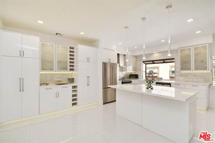 Residential Property for sale in 6201 Valley Circle BLVD 9, Woodland Hills, CA, 91367