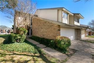 Townhouse for sale in 2960 Woodcroft Circle, Carrollton, TX, 75006