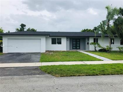 Residential for sale in 6311 SW 93rd Ave, Miami, FL, 33173