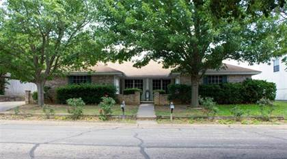 Residential for sale in 617 Overlook Court, Arlington, TX, 76012