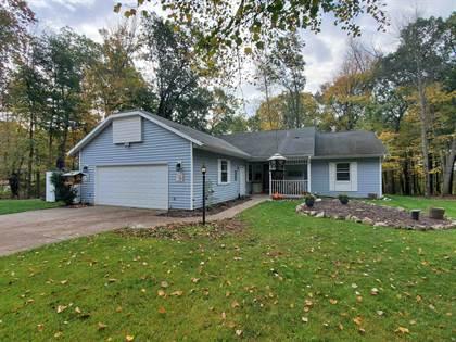 Residential Property for sale in E2307 WOODRIDGE Drive, Waupaca, WI, 54981
