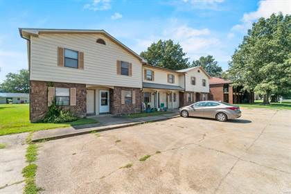 Multifamily for sale in 817 S West St, Sikeston, MO, 63801