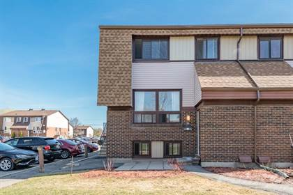 Condominium for sale in 17 WOODVALE GREEN, Ottawa, Ontario, K2G 4H1