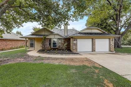 Residential for sale in 6401 Springfield Drive, Arlington, TX, 76016