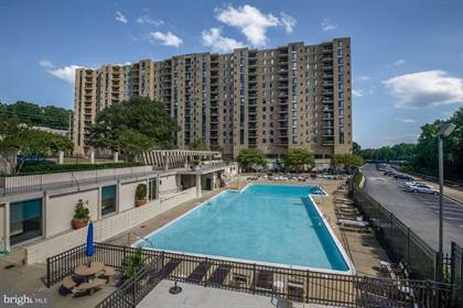 Condominium for sale in 4600 S FOUR MILE RUN DR #408, Arlington, VA, 22204