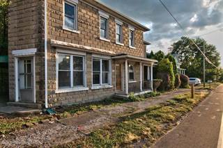 Apartment for rent in 511 N Main, Plains, PA, 18705